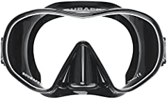 A modern low profile, clear and open-view single lens mask. Dual colored frameless single-lens design for signifi cantly increased field of vision Crystal clear double sealed silicone skirt for superior fit and comfort. Non-slip strap with easy adjus...