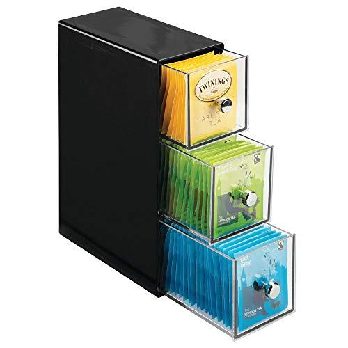 mDesign Organizador de cocina con 3 cajones de plastico – Mini cajonera para infusiones, bolsas de te, sobres de cafe, azucar, etc. – Caja de te en plastico – negro