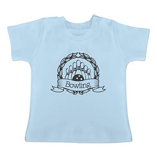 Sport Baby - Bowling Lorbeerkranz - 1/3 Monate - Babyblau - BZ02 - Baby T-Shirt Kurzarm