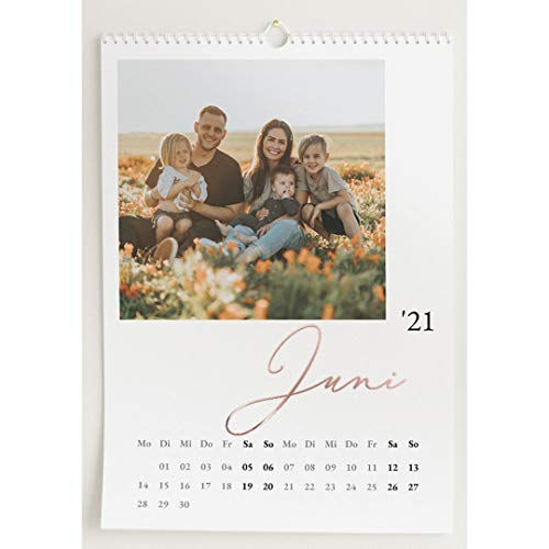 Fotokalender 2021 mit Veredelung in Roségold, Unser Jahr, Wandkalender mit persönlichen Bildern, Kalender für Digitale Fotos, Spiralbindung, DIN A3 Hochformat