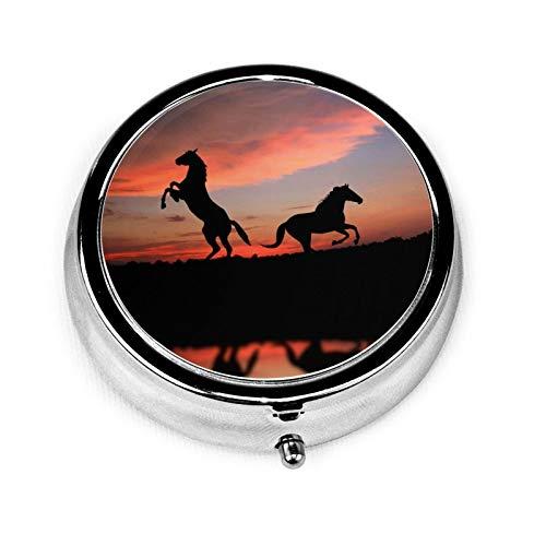Pastillero redondo de viaje con 3 compartimentos compactos, organizador portátil para medicamentos y vitaminas, estuche organizador para bolsillo/cartera/necesidades diarias, caballo de animales
