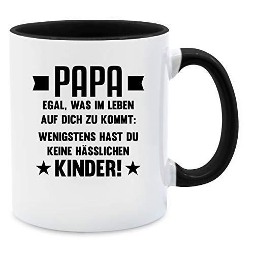 Vatertagsgeschenk Tasse - Papa egal was auf dich zukommt wenigstens hast du keine hässlichen Kinder - Unisize - Schwarz - tasse papa hässliche kinder - Q9061 - Kaffee-Tasse inkl. Geschenk-Verpackung
