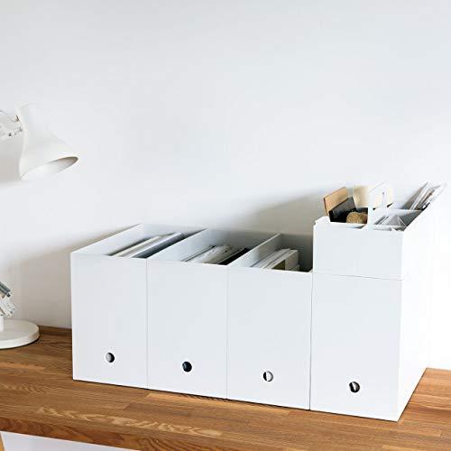 白一色のシンプルなデザインで、場所を選ばず使えるファイルボックス。本やノート、書類をまとめて収納するのにぴったりです。必要に応じて数を増やし、並べて使っても◎