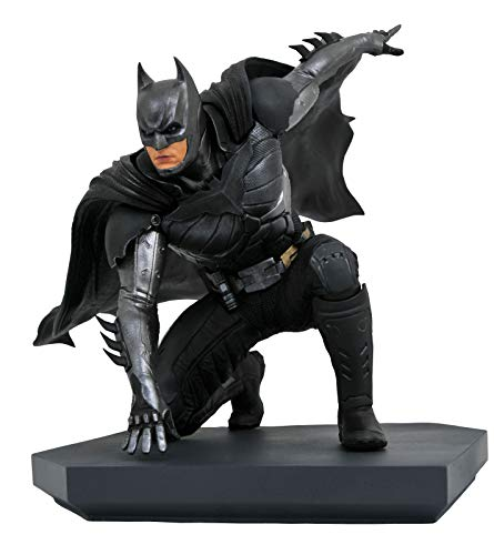 DIAMOND SELECT TOYS Select Toys DC Gallery: Injustice 2 - Batman PVC Statue (NOV192337)
