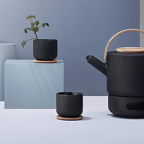 Stelton Teebecher Theo - Trinkbecher für Tee, Kaffee & heiße Schokolade - Steinzeug, gusseiserne Außenseite, glasierte Innenseite - Deckel aus nachhaltigem Bambusholz - Schwarz & Braun, 0,2 Liter