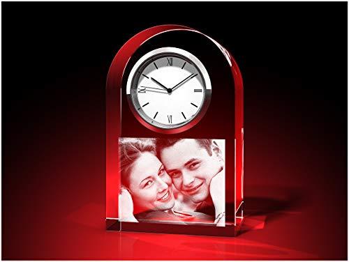 GLASFOTO.COM Uhr rund mit Glasfoto mit Ihrem eigenen Bild – Kristallglas mit Innengravur als anpassbares Geschenk für jeden Anlass 60 x 95 x 40 mm