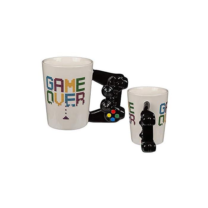 """411SFsXU2VL Texto """"Game Over"""". Mango con forma de mando. Tamaño del producto de 11 x 9 cm."""