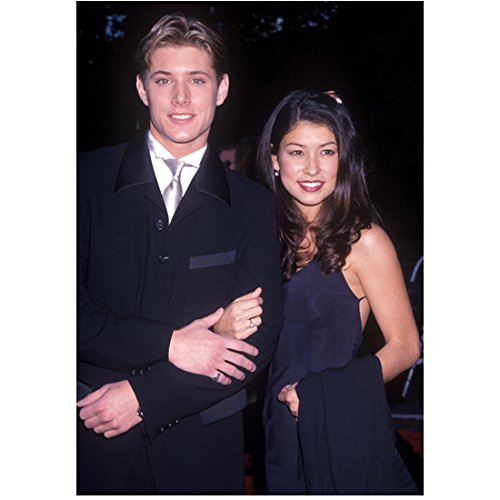 Supernatural Jensen Ackles arm-in-arm with high school girlfriend 8 x 10 Inch Photo