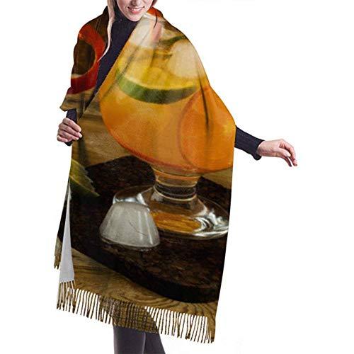 Laglacefond winter sjaal cashmere feel citrus limonade op houten sjaal stijlvolle sjaal kussen zachte warme dekensjaal