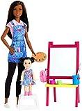 Barbie Quiero Ser Maestra de Arte, Muñeca Latina con Bebé y Accesorios (Mattel GJM30)