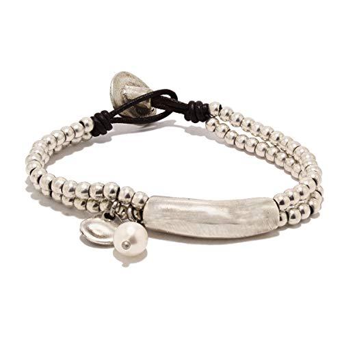 Pulsera hecha a mano con cuero y charm perla de río natural de Intendenciajewels - Pulsera de perla - Pulsera de cuero y abalorios - Regalo para mujer - Pulsera de cuero y perlas.