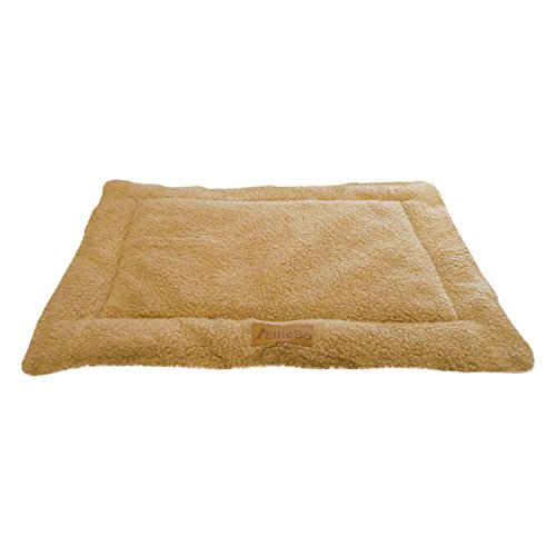 Ellie-Bo Sherpa Fleece Mat Bed in Beige - Fits 30' Cages and Crates