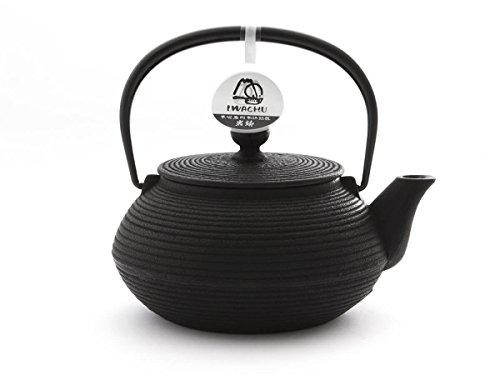 Japanische Teekanne Gusseisen SENBIKI von IWACHU, schwarz, 0,65 Liter, mit Edelstahl-Sieb. Innen emailliert, für alle Tee-Sorten geeignet