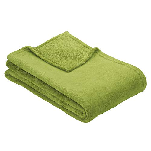 Ibena Olbia Kuscheldecke grün, Flauschdecke 150x200 cm, einfarbige Decke aus hochwertigen Polyesterplüsch
