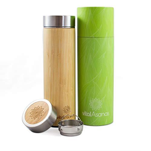 Vital Asanas Bambus Thermoflasche aus Edelstahl mit edler Gravur 500ml - mit herausnehmbaren Edelstahl Teesieb - geeignet für heiße und kalte Getränke BPA-frei