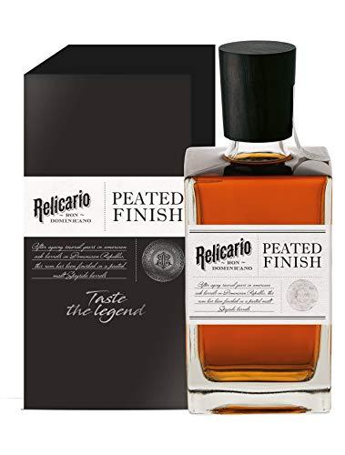 Relicario Relicario Ron Dominicano PEATED FINISH 40% Vol. 0,7l in Giftbox - 700 ml