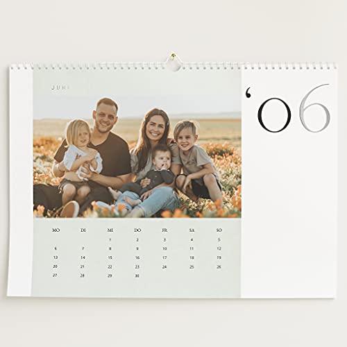 sendmoments Fotokalender 2022 mit Relieflack, Bilderreiches Jahr, Wandkalender mit persönlichen Bildern, Kalender für Digitale Fotos, Spiralbindung, DIN A3 Querformat