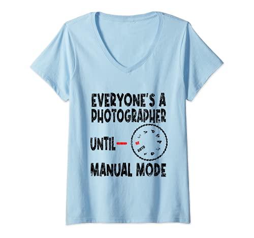 Mujer Todo el mundo es un fotógrafo divertido fotografía cámara gráfica Camiseta Cuello V