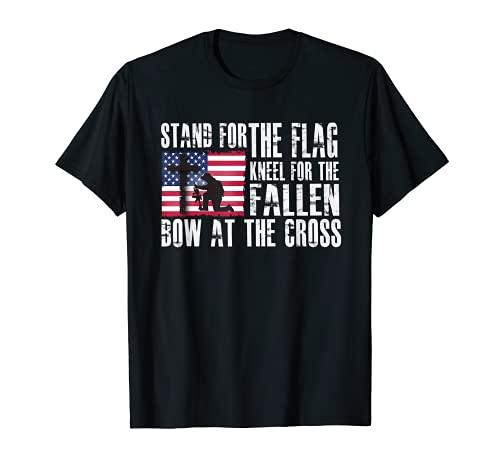 Support pour le drapeau – agenouillez-vous pour le nœud tombé à la croix T-Shirt