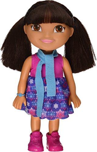 Mattel Y8330 - Fisher-Price - Dora - Winterabenteuer Dora Puppe (Größe 23cm) [UK Import]