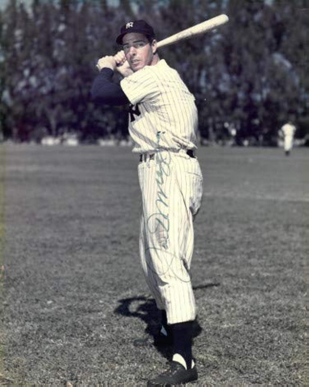Joe DiMaggio signed New York Yankees 8x10 Photo minor imperfections