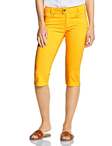 Pantalones cortos amarillos por la rodilla