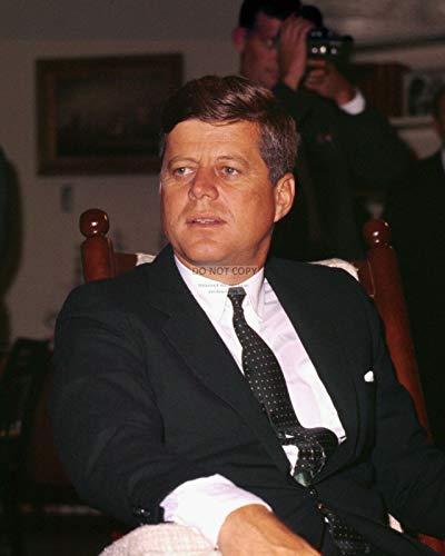 bucraft President John F. Kennedy in seinem ovalen Büro-Schaukelstuhl, 20,3 x 25,4 cm Foto (EP-783)