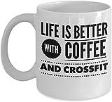 Mattanch Taza de café Crossfit - La Vida es Mejor con - Regalo de Amante de la Aptitud - Taza de cerámica Blanca de 11 oz