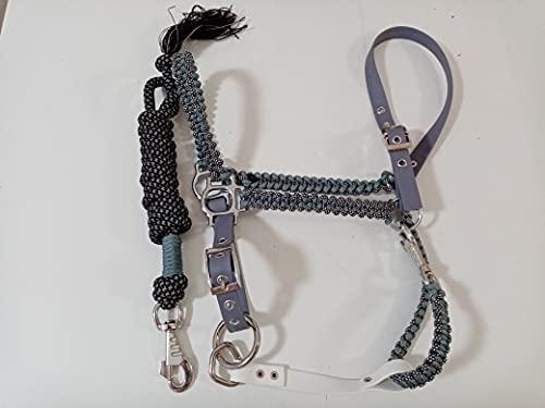Producto fabricado por dientes Aguzzi caviza para caballo, modelo Basic de Biothane y cuerda Paracord 550, fabricado íntegramente a mano, producto exclusivo y de calidad (gris claro)