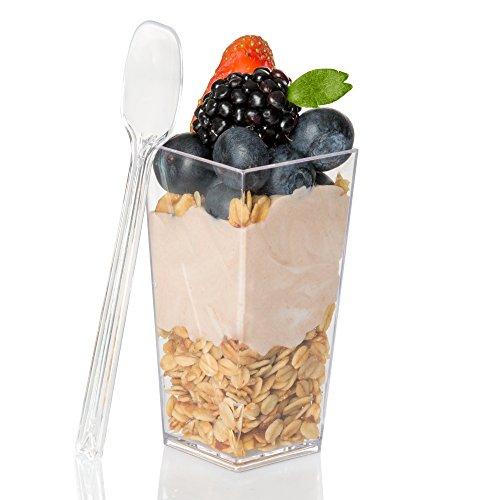 3Oz Mini Kunststoff Dessert Tassen mit Löffel–40Dessert Shooters für Schokolade Desserts, Vorspeisen, Dessert Sampler, Dessert Schnapsgläser & mehr