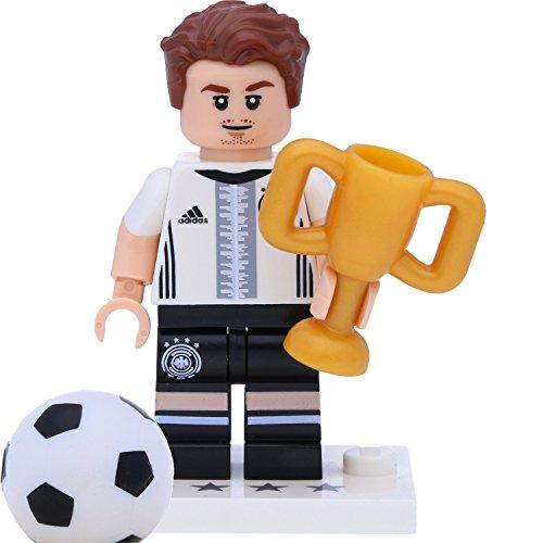 LEGO 71014 Minifigur - DFB - Die Mannschaft: #19 Mario Götze mit Pokal