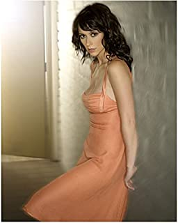 Jennifer Love Hewitt 8 x 10 Photo Ghost Whisperer Criminal Minds I Know What you Did Last Summer Peach Dress Leaning Against Wall Pose 2 kn