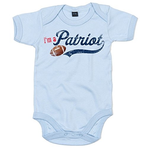 I'm a Patriot #1 Baby-Strampler American Football Bodysuit Pats Super Bowl Babybody Oeko-TEX, Farbe:Babyblau (Dusty Blue BZ10);Größe:3-6 Monate