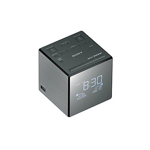 Sony XDR-C1DBP-CEK Wiederaufladbare Tragbare Batteriebetriebene Taschen DAB/DAB + Radiowecker XDRC1DBP.CEK, Schwarz/Silber
