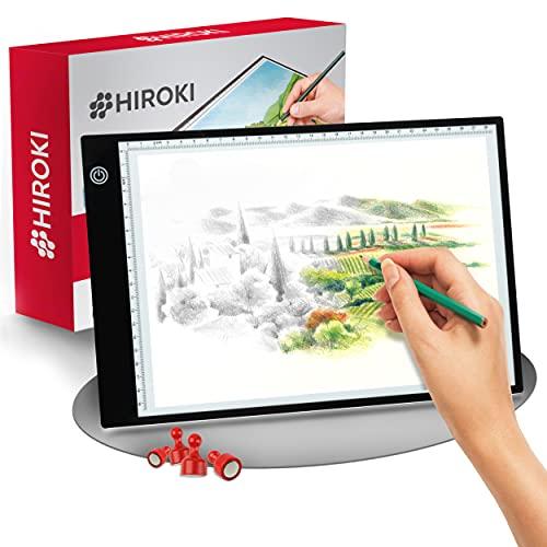 Hiroki Mesa luminosa LED A4 de alta calidad – Imágenes Lightpad ultrafinas [5 mm] – Pantalla regulable – Tableta infantil con cable USB + imanes antideslizantes