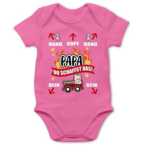 Shirtracer Feuerwehr Baby - Papa du schaffst das - Feuerwehr - weiß - 3/6 Monate - Pink - Feuerwehr Schnuller - BZ10 - Baby Body Kurzarm für Jungen und Mädchen