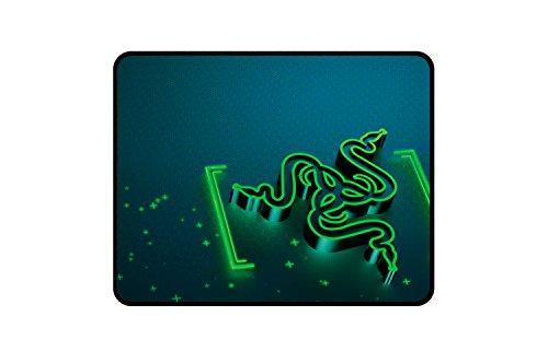 Razer Goliathus Small Control Soft Gaming Mausmatte (professionelle Gamer, Gravity Design)