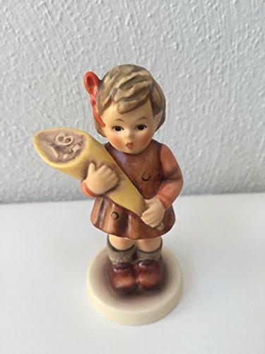 Hummel Goebel  A Sweet Offering  Porcelain Figurine 3.5