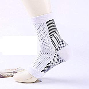 Plantar Fasciitis Socks, SyeNazFitness (FREE-EBOOK) Walking & Running Compression Sock Sleeve for Mens & Womens Foot Care Pain Relief - Increase Circulation that Support your Arch, Aching Heel, Ankle in WHITE