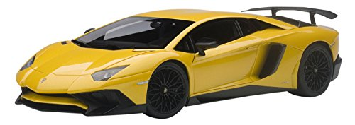 AUTOart–74558–Zimmer Modellbau–Lamborghini Aventador LP750–4SV–2015–Echelle 1/18, gelb Metall