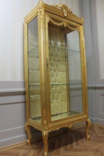 LouisXV Antik Vitrine, goldfarben, 2 Glasböden