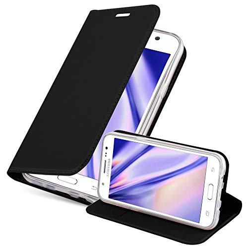 Cadorabo Hülle für Samsung Galaxy J5 2015 (5) - Hülle in SCHWARZ – Handyhülle mit Standfunktion und Kartenfach im Metallic Look - Case Cover Schutzhülle Etui Tasche Book Klapp Style