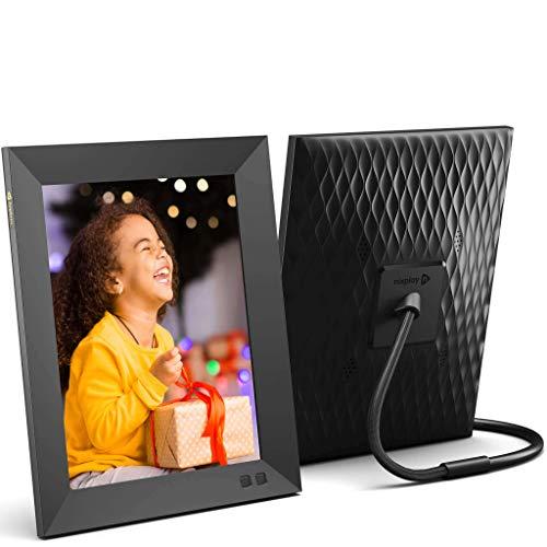 Nixplay 2K Smart Digitaler Bilderrahmen 9,7 Zoll, Videoclips und Fotos sofort per E-Mail oder App teilen