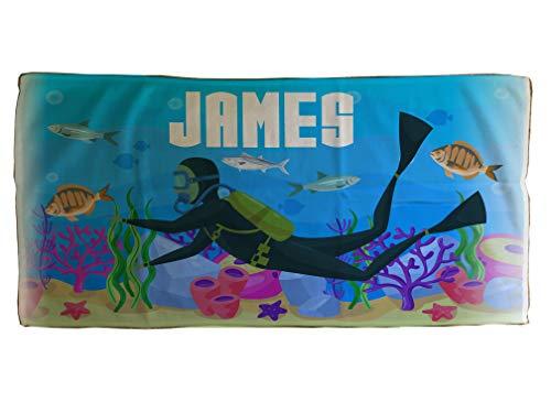 MakeThisMine, toalla de algodón con estampado personalizado para niños, 50 x 100 cm, personalizable con el nombre de tu elección, colorida toalla de baño playa para seres queridos, cumpleaños