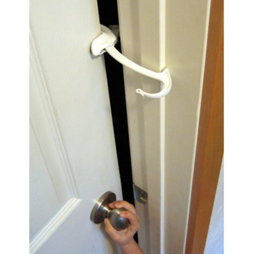 DOOR MONKEY Door Lock & Pinch Guard - Safety Door Lock For Kids - Baby Proof Door Lock For Bedrooms, Bathrooms & Kitchens - Easy, Convenient & Simple To Install - Very Portable - Great For Dogs & Cats