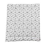 Puckdaddy Wickelauflage Agnes - 65x75 cm, Wickelunterlage aus 100% Baumwolle mit Wolken Muster in Weiß, weiche Wickeltischauflage für Wickelkommoden, waschmaschinengeeignet
