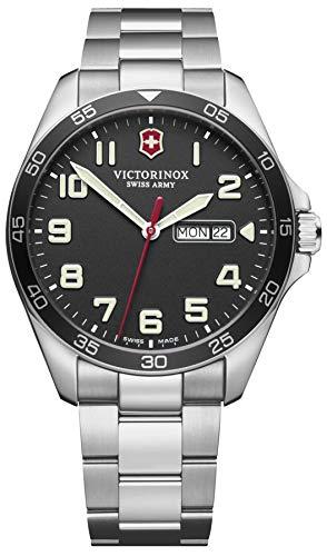 Victorinox Field Watch Reloj para Hombre Analógico de Cuarzo con Brazalete de Acero Inoxidable V241849