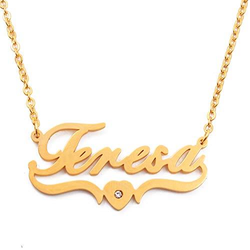 Kigu Teresa Collar con nombre en forma de corazón personalizado chapado en oro, colgantes personalizados con nombre delicado, joyería para damas, novia, madre, hermana, amigas, bolsa y caja