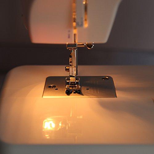 Singer Model 1507 Sewing Machine
