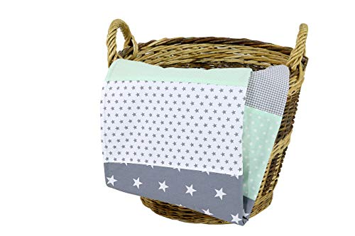 ULLENBOOM ® Babydecke 70x100 cm Mint Grau (Made in EU) - Baby Kuscheldecke aus ÖkoTex Baumwolle & Fleece, ideal als Kinderwagendecke oder Spieldecke geeignet, Design: Sterne, Punkte, Patchwork